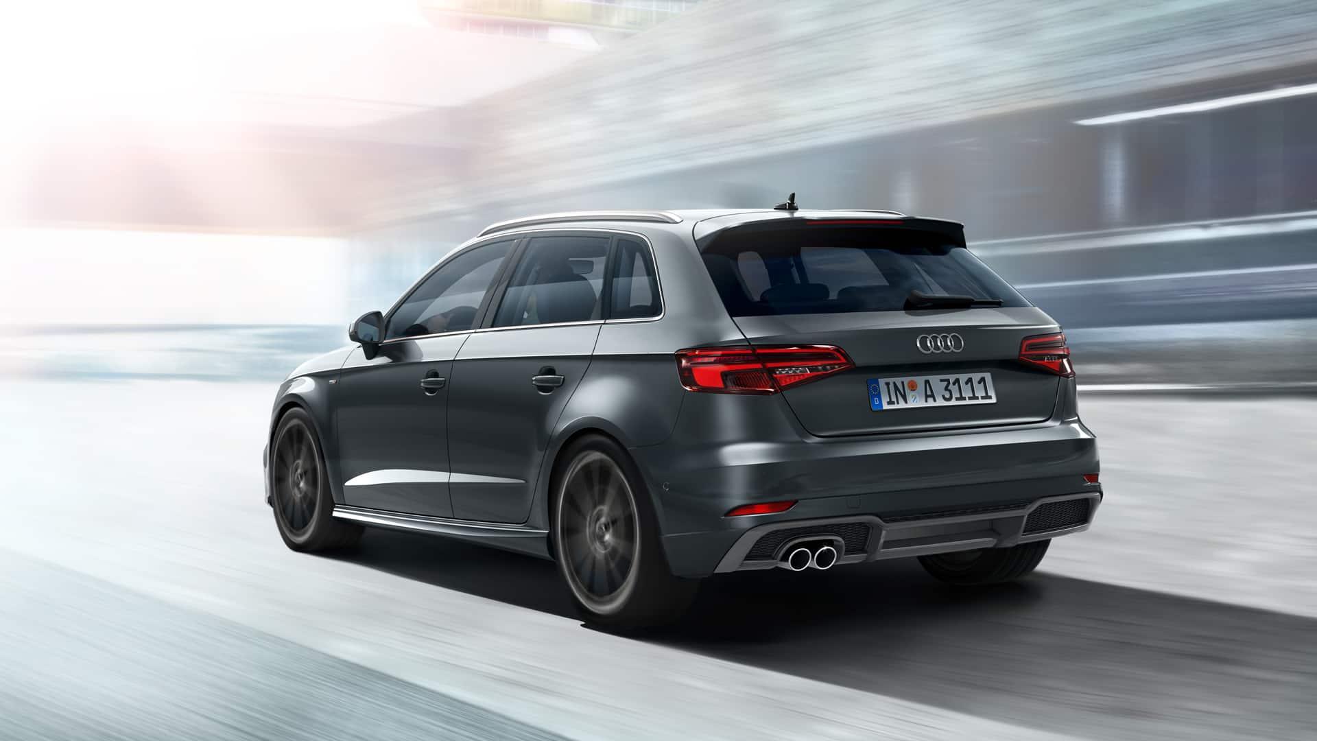 4689cf1ee0d Audi A3 Sportback er udstyret med en iøjnefaldende kombination af baglygter  med individuel baglygtegrafik. Desuden er LED- og Audi  Matrix-LED-forlygterne ...