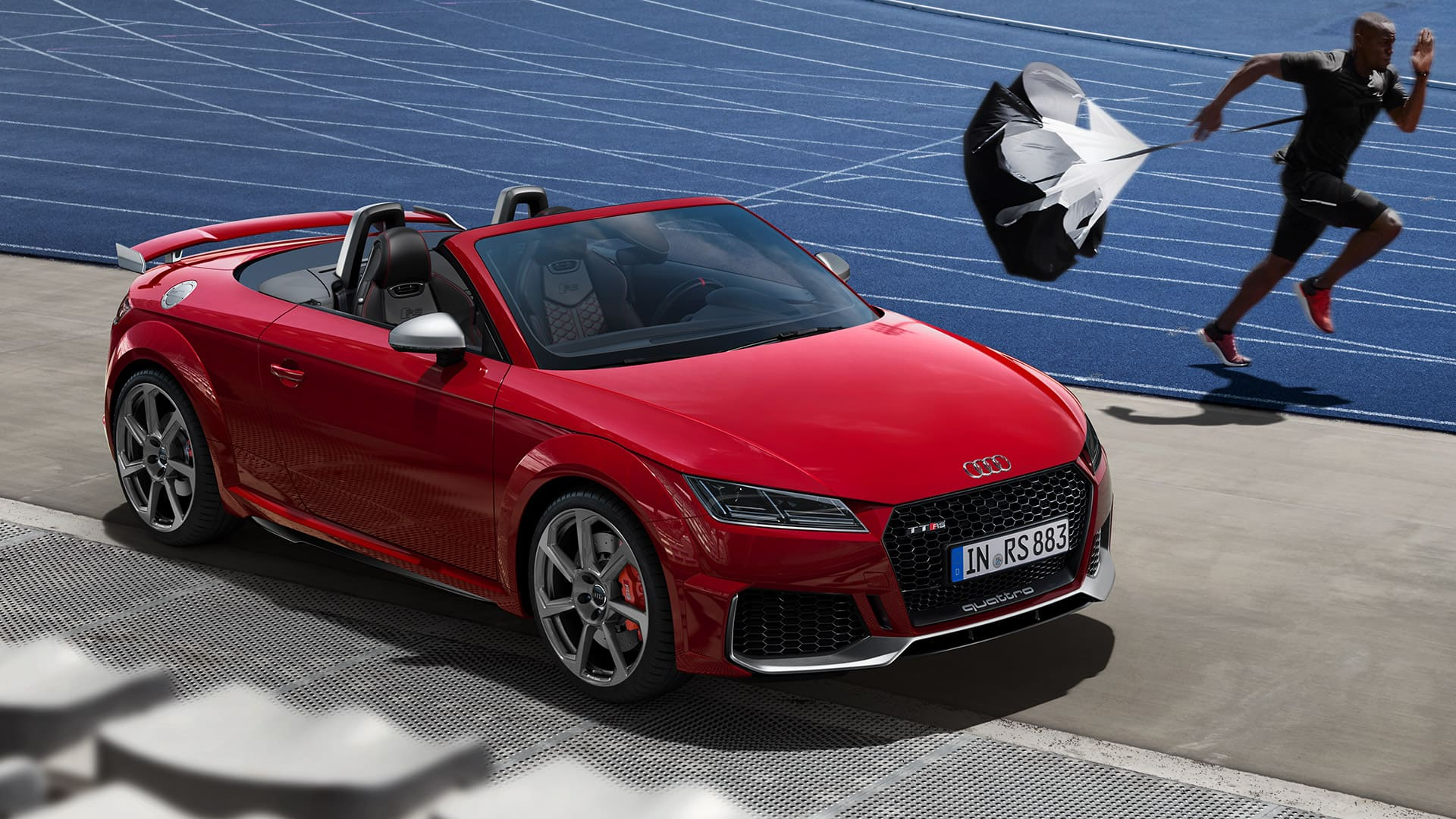 The Audi TT RS Roadster in the sprint duel with a top athlete